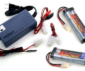 Two 7.2V 3000mAh Flat NiMH High Power Battery Packs with Tamiya Connectors + Smart Universal Charger for NiMH / NiCd Battery pack 7.2V - 12V 1.8A